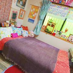 bedroom/colorful/カラフル/ベッドルーム/寝室インテリア/寝室/... 物が増えてます❗️私の癒し所❗️