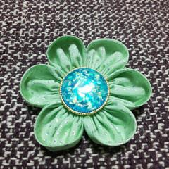 ハンドメイド/ファッション/手作り/グリーン/緑/Handmade/... ブローチを作って知り合いにプレゼントしょ…