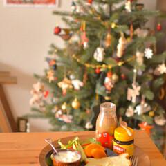 手作りパン/くま食パン/朝ごはん/おうちごはん/LIMIAごはんクラブ/クリスマスインテリア/... 平日の朝ごはん、 お土産でもらったベジマ…(1枚目)
