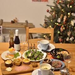 いい夫婦の日/クリスマスインテリア/LIMIA手作りし隊/LIMIAごはんクラブ/晩ごはん/二人暮らし/... 今年は1日遅くなった我が家のボジョレー解…