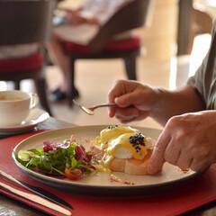 朝食/エッグベネディクト/はらぺこグルメ/雨季ウキフォト投稿キャンペーン/令和の一枚/フォロー大歓迎/... いつかの旅写真。  美味しい朝食に ウキ…