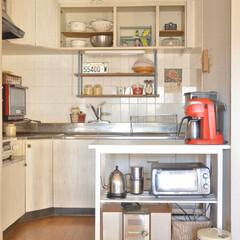 カフェ風インテリア/転勤族/二人暮らし/現状回復/DIY/賃貸インテリア/... キッチンの全体ʕ•ᴥ•ʔ  元々暗い色の…