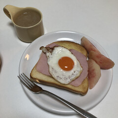 ZERO JAPAN カフェプレートL CFZ-08 WH・ホワイト | ZERO JAPAN(皿)を使ったクチコミ「朝ごはんの記録  ラピュタトースト ハム…」(1枚目)