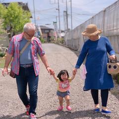 家族/おじいちゃん/おばあちゃん/仲良し/幸せ/大好き/... 祖父祖母孫でお出掛けした時の写真です。