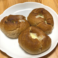 とろけるミックスチーズ 350g(チーズ)を使ったクチコミ「♡今日の朝ごはん♡  私は白いパンは自重…」