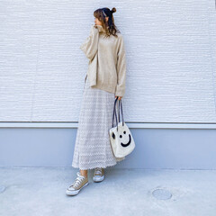 ママコーデ/コンバース/春コーデ/デートコーデ/大人女子/カジュアルでいこう/... 今日の1枚♡透かし編みニットスカート♡ …