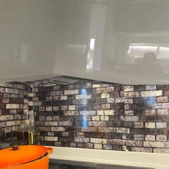 キッチン掃除/壁DIY/壁紙/キッチン大改造/キッチンDIY/キッチンと暮らす。/... シンプルキッチンをオシャレキッチンに!!…