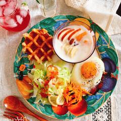 休日の朝/発酵美人/玄米麹甘酒/おうちカフェ/ベルギーワッフル/テーブルフォト/... * おはようございます😃 今朝の朝ごパン…