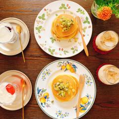 朝時間/朝ごはん/キウイソース/ホットケーキ/おうちカフェ/LIMIAスイーツ愛好会/... 娘のリクエストで この日の朝ごはんは ホ…(3枚目)