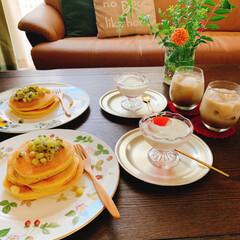 朝時間/朝ごはん/キウイソース/ホットケーキ/おうちカフェ/LIMIAスイーツ愛好会/... 娘のリクエストで この日の朝ごはんは ホ…(2枚目)