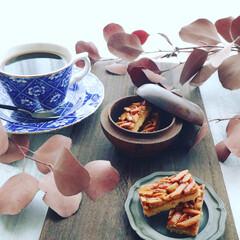 テーブルコーディネート/おもてなし/焼き菓子/フロランタン/コーヒー/至福のひととき/... . . 朝からお菓子とコーヒーの準備☕︎…(1枚目)