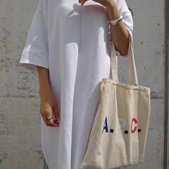30代コーデ/30代ファッション/アラフォーファッション/coordinate/fashion/トートバッグ/... 去年買ったTシャツワンピース。 サイドの…