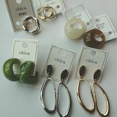 ママコーデ/ママファッション/ゴールドアクセサリー/シルバーアクセサリー/ピアス/指輪/... アクセサリー類を集めるのが最近趣味になっ…