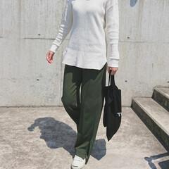 アラフォーコーデ/アラフォーファッション/アラフォーママ/30代ファッション/30代コーデ/高身長コーデ/... ホワイト×カーキの組み合わせ、大好きです…(2枚目)