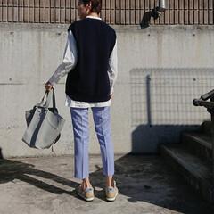 長身コーデ/30代コーデ/30代ファッション/ママコーデ/ママファッション/アラフォーコーデ/... 今季流行りのカラーパンツを取り入れたコー…(2枚目)