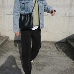ファッション/アラフォーファッション/アラフォーコーデ/ママコーデ/ママファッション/シンプルコーデ/... 肌寒い日は、ニット+デニムジャケットで☝…