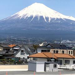 富士山麓/富士山 お昼時の富士山🗻  昨日とあまり変わらな…