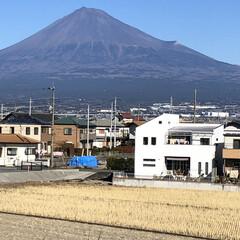 富士山/富士山麓/男富士 こんにちは☀️  お昼時の富士山🗻です📸…