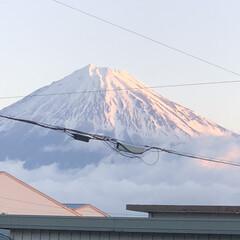 赤富士/富士山 今日の富士山🗻  おはようございます☀ …