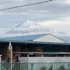 富士山麓/富士山 おはようございます☁️  今朝の富士山🗻