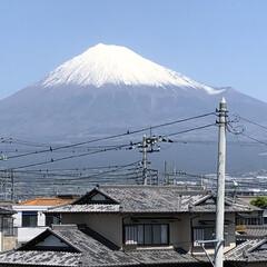 女富士/雪化粧/富士山麓/富士山 今日の富士山🗻 いつもの場所よりチョット…(1枚目)