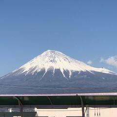 富士山/富士山麓/雪化粧/女富士 こんばんは⭐️  お昼時の富士山🗻  昨…(1枚目)