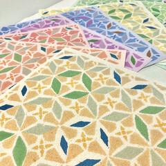 インテリア/タイル/装飾/ペーパー/壁紙 表面は石灰岩の粉末を粒子状に加工したもの…