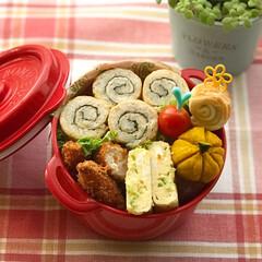 お弁当作り/ボヌール/お昼が楽しみになるお弁当/おいなりさん/お弁当/LIMIAごはんクラブ/... 7月5日金曜日☁️。 くるくる稲荷とささ…
