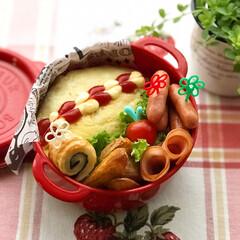 ボヌール/オムライス/お昼が楽しみになるお弁当/お弁当作り/お弁当/LIMIAごはんクラブ/... 7月4日木曜日☁️。 オムライス弁当🍱。