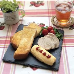 ワンプレート/トースト/おうちごはん/お昼ごはん/作り置き/おひとりさま/... 5月27日月曜日☀️。 いつかのお昼ごは…