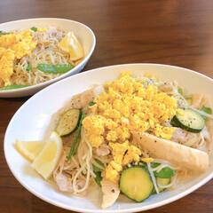 リミアな暮らし/おうちごはん/塩焼きそば 春っぽやきそば!炒り卵を載せて菜の花っぽ…