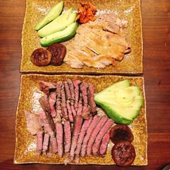 おうち時間/チキンステーキ/ステーキ/今日のメイン/おうちごはん 焼いたお肉2種類!椎茸ソテーを添えて。チ…