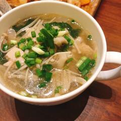 うまい村デイリー かどや製油 金印 純正ごま油 150g x12(ごま油)を使ったクチコミ「きのこたっぷりの中華スープ。きのこをたっ…」