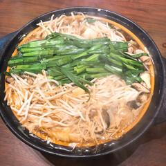 野菜たっぷり/鍋料理/もつ鍋スープ/もつ鍋/2人ごはん あったかいもつ鍋。最近スーパーの野菜高い…