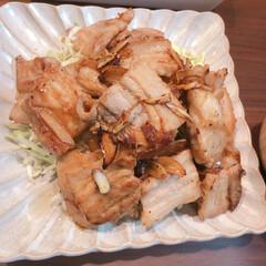 ふたりごはん/お弁当おかず/つくりおき/かんたんおがず/おうちごはん 豚バラ焼き。豚バラ肉をきって、サッと茹で…
