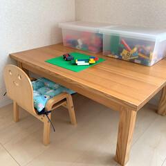キコリの小イス ナチュラル 木製 ミニチェア 子供用 椅子(ベビーラック、チェア)を使ったクチコミ「ダイソーで見つけた可愛いキッズクッション…」(2枚目)