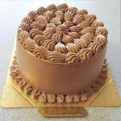 お菓子教室/チョコレートクリーム/バニラシフォン/デコレーションケーキ/シフォンケーキ/バースデーケーキ 6月レッスンのお申し込みを昨日から開始し…