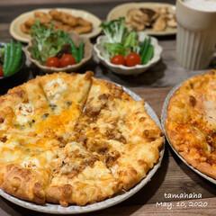 ピザ/わたしのごはん/おうち時間/おうち居酒屋/夕飯/夜ごはん/... 《5/10の夕飯》 ✴︎持ち帰りピザ ✴…