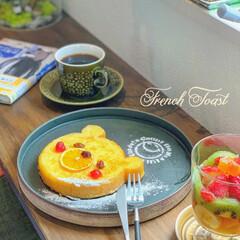 コーヒータイム/カフェ風インテリア/おうちカフェ/至福のひととき/おやつタイム/LIMIAスイーツ愛好会/... くまの食パンで作ったフレンチトースト ド…