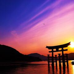 厳島神社/夕日/夕焼け/おでかけワンショット 厳島神社の夕焼け 素晴らしい景色😭 お気…