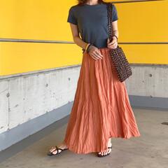 UNIQLOコーデ/UNIQLO/ロングスカート/おちびコーデ/低身長コーデ/プチプラコーデ/... 夏らしい鮮やかなオレンジスカート。 トレ…(1枚目)