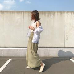 ママファッション/ママコーデ/ワッシャーサテンプリーツパンツ/プレミアムリネンシャツ/ユニクロコーデ/おちびコーデ/... 初夏みたいに暑いけど、まだノースリーブを…