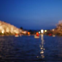 弘前城公園/ライトアップ/ボート/桜/おでかけワンショット 弘前城公園のライトアップ ボケはわざとで…