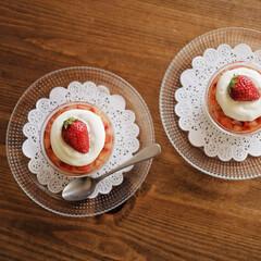 スイーツ/sweets/お菓子/お菓子作り/おやつ/いちご/... 可愛い冷たい苺のムースゼリーを作りました…