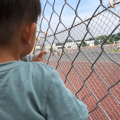 初めての/息子/ドキドキ/はじめてフォト投稿 初めてのオートレースを見ている息子。 こ…