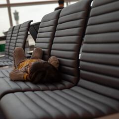 仁川空港/リラックス/娘/おでかけワンショット 仁川空港での乗り継ぎで誰もいないソファー…