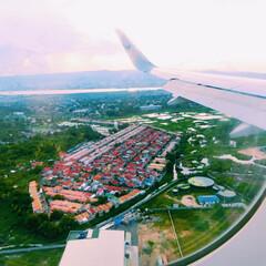 海外旅行/飛行機/おでかけワンショット セブ島へ行く飛行機の中からパシャリ どこ…