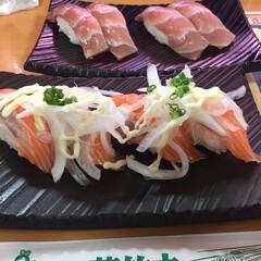 お寿司/新鮮美味しい/わたしのごはん 娘が「今日おかず無いし外食しない」って誘…