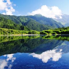 #はじめてフォト投稿/上高地/大正池/はじめてフォト投稿 上高地の大正池です。 池の写り込みが鏡の…