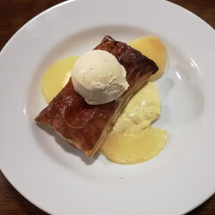 わたしのごはん/アップルパイ/カスタードクリーム/アイスクリーム/バニラアイス 温かいアップルパイとバニラアイス。 お気…